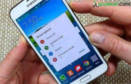 Restart Smartphone Android atau iPhone